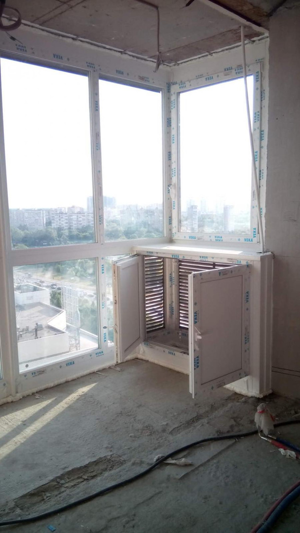 лоджия от пола до потолка с шкафом для к