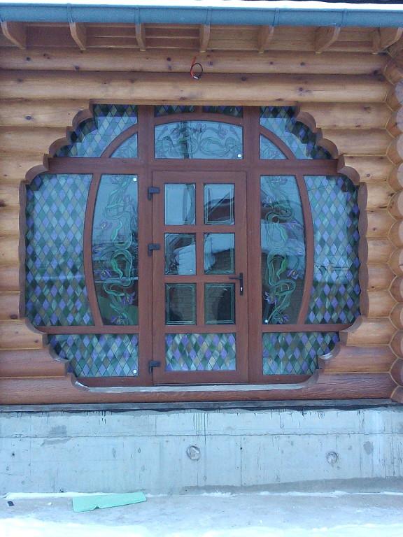 входная дверь с витражами.jpg