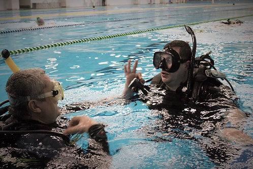 Погружение в бассейне