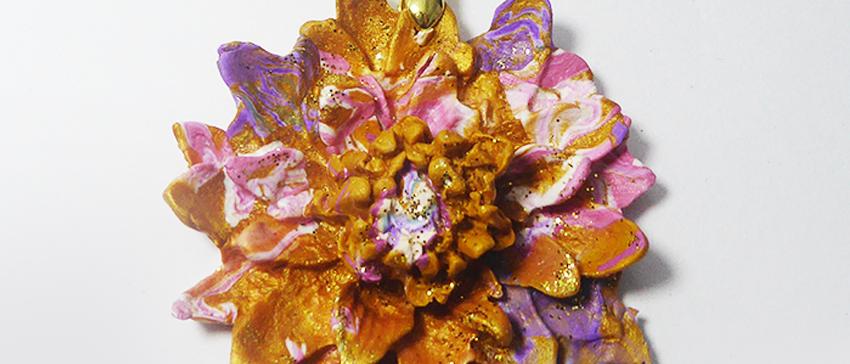 תליון פרח הלוטוס גווני ורד זהב