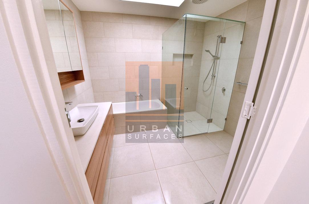 Bathroom tiling large format