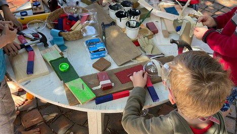 Woodwork with loose parts