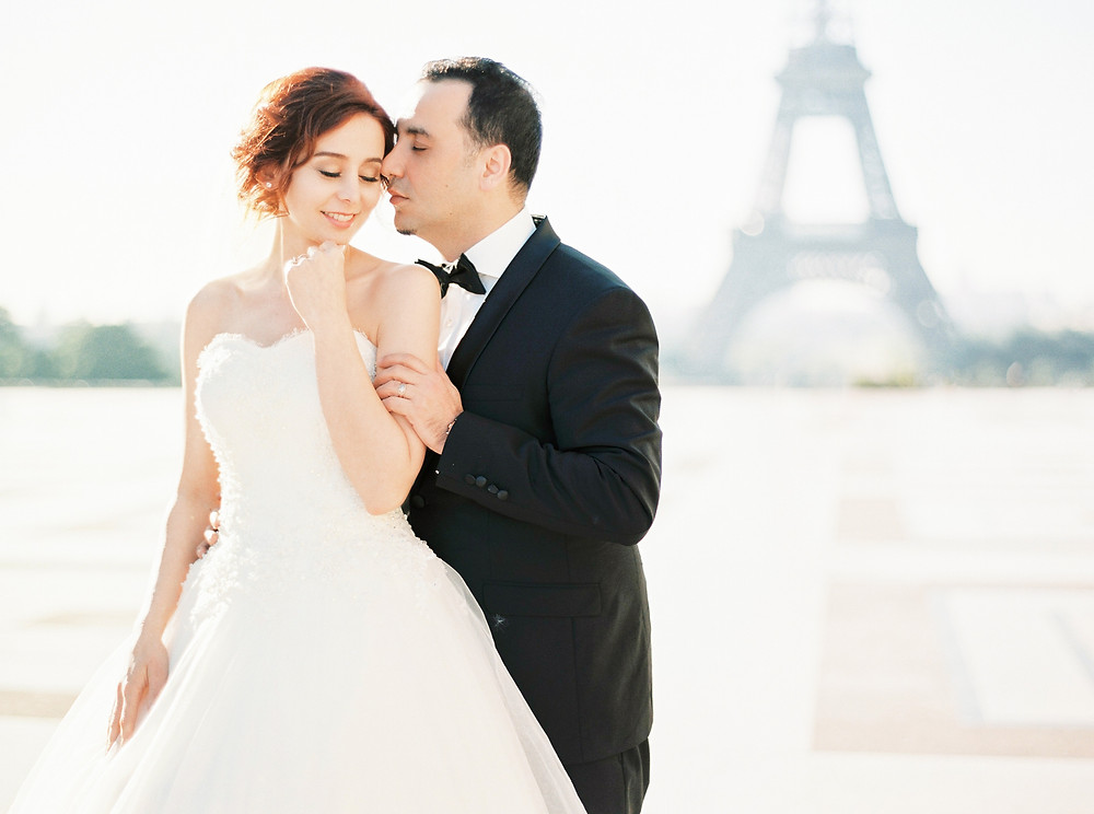 Eiffel Tower wedding photoshoot