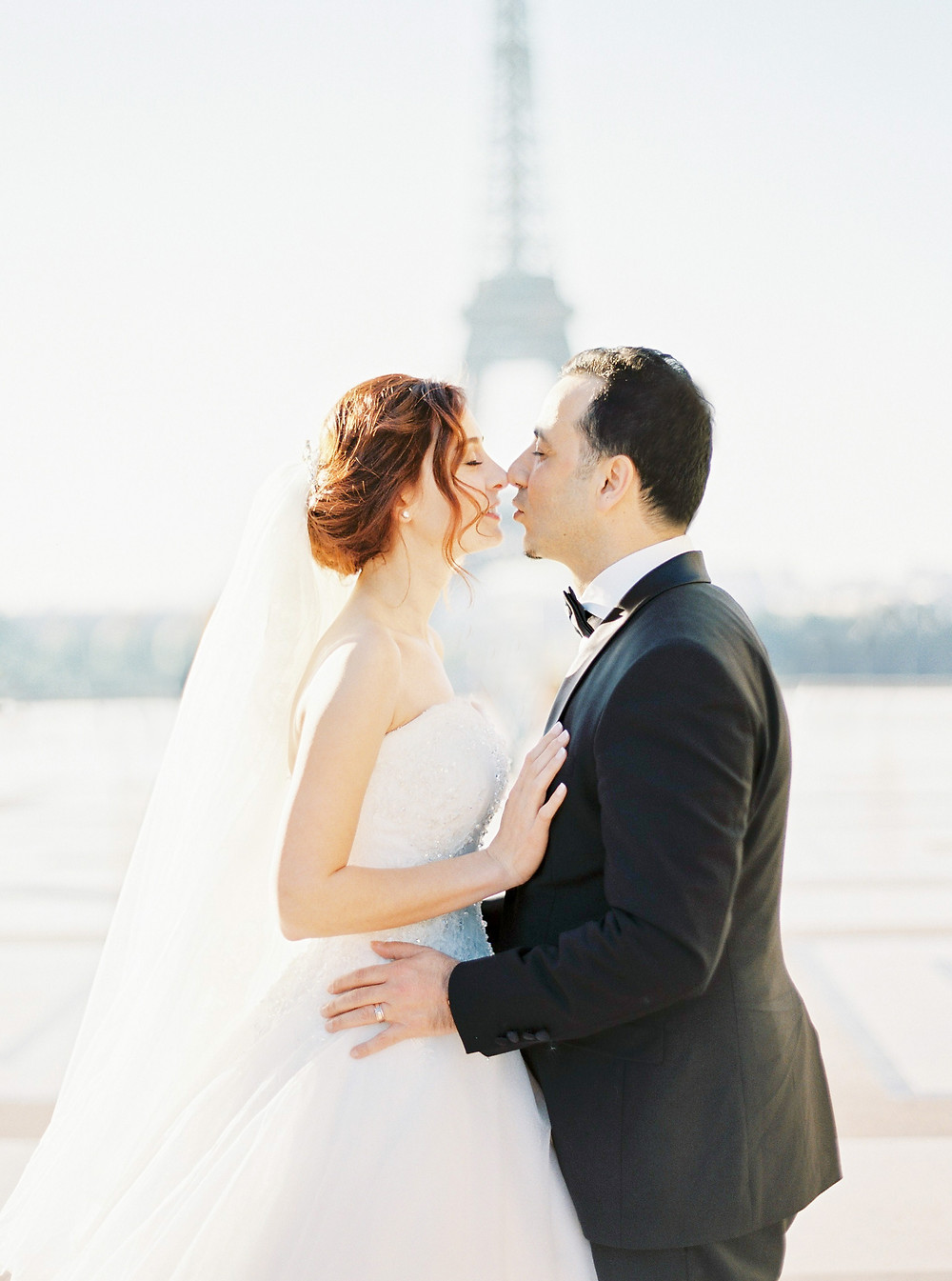 Paris wedding photoshoot near the Eiffel Tower