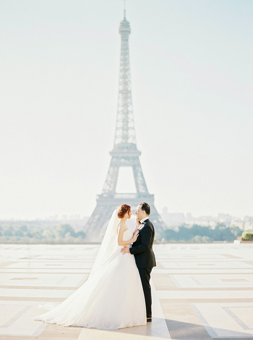 Paris honeymoon photoshoot