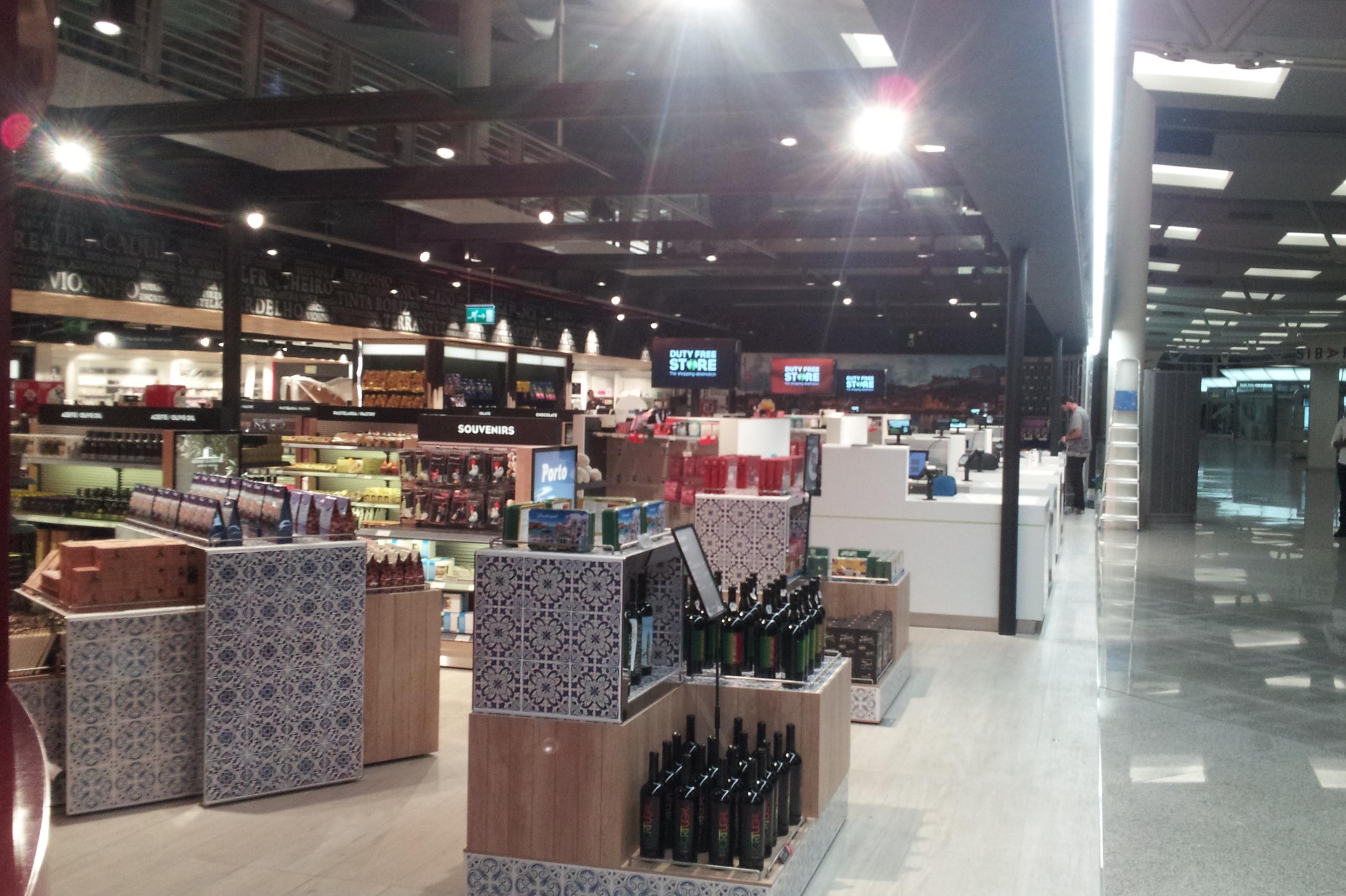 Main Store Porto - Aeroporto