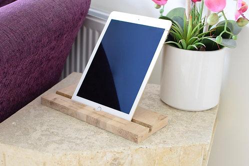 Apple iPad ' Classic ' Stand / Dock - Oak