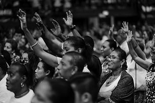 audience-black-and-white-crowd-2330138-e