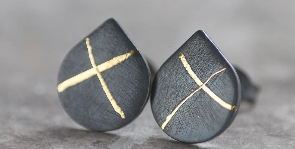 LC Oxidised 10mm X Keum Boo Stud Earrings