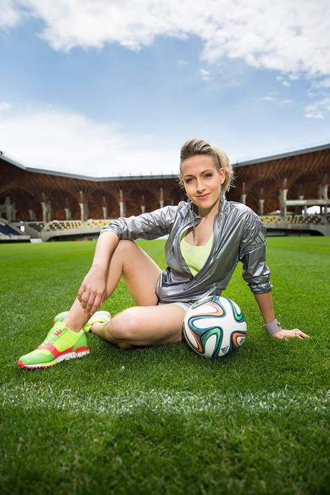 Hire Female Football Freestyler - Kitti Szasz Based in Hungary - Female Football Freestyler