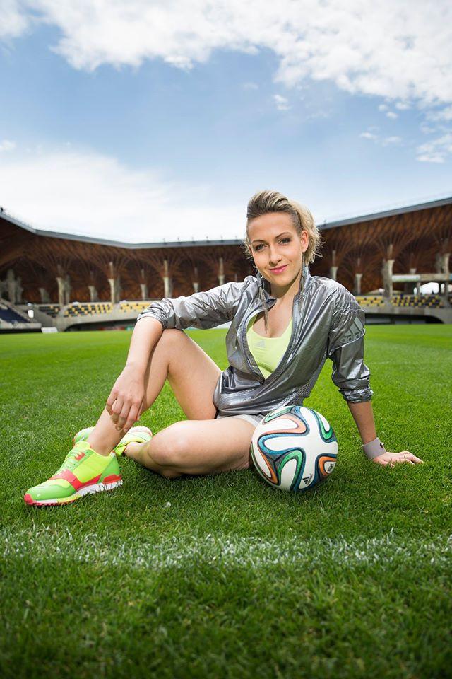 Kitti Szasz Based in Hungary - Female Football Freestyler