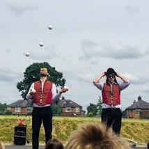 Juggling artists.jpg