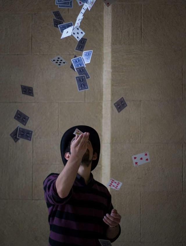 Book Thomas magician
