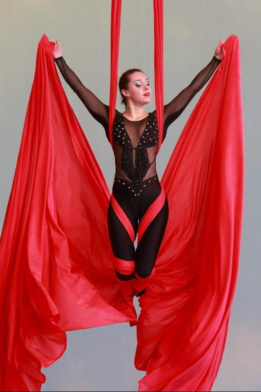 Russian aerial silks act
