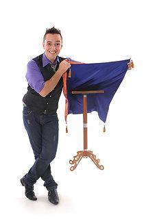 Brazilian magician hire