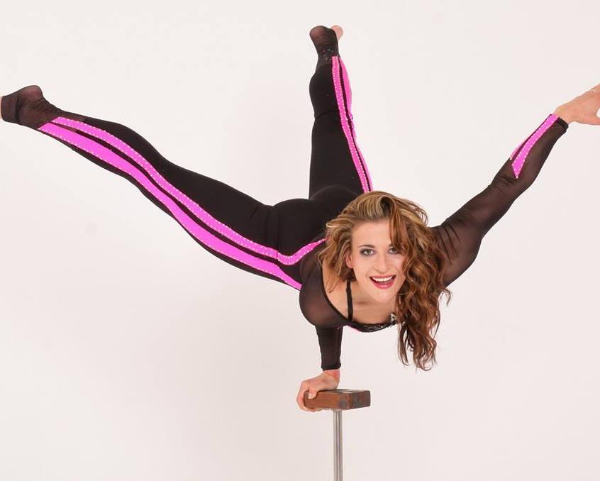 Ania Acrobatics