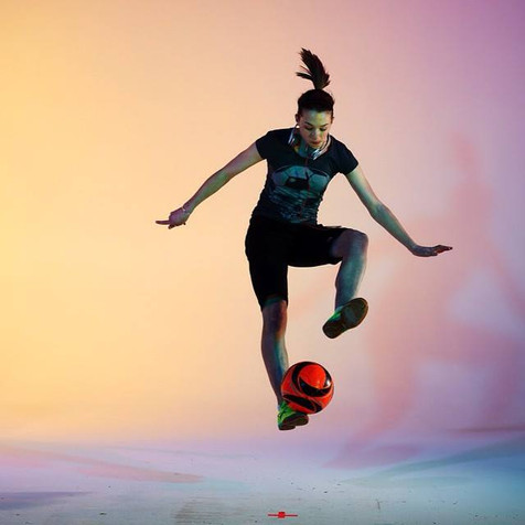 Indi Cowie Based in USA - Female Football Freestyler - Hire Female Football Freestyler