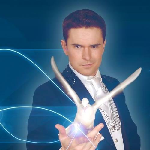 Jonathan Shotton Magician.jpg