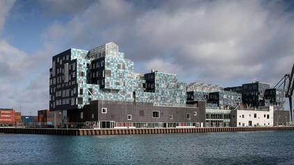 Dinamarca terá escola com fachada coberta de painéis fotovoltaicos