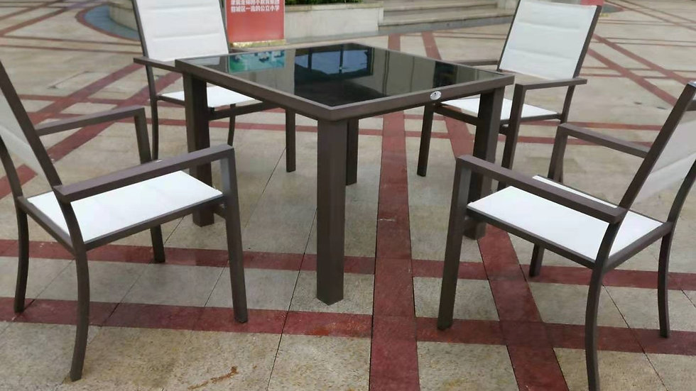 Commercial grade dinning set with double padded mesh