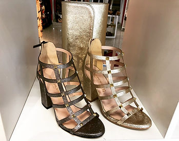 Rinascimento Clutch Gold Shoes bei Koohi Couture