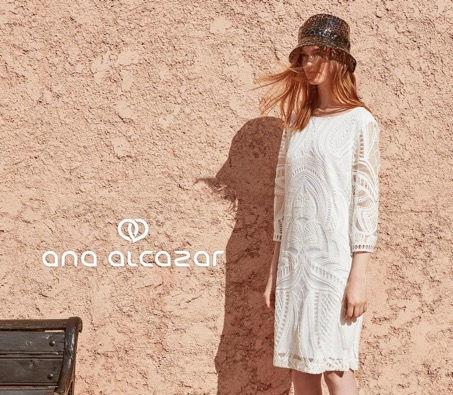Ana Alcazar bei Koochi Couture.jpg