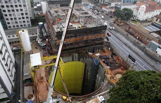 Construção de túneis subterrâneos
