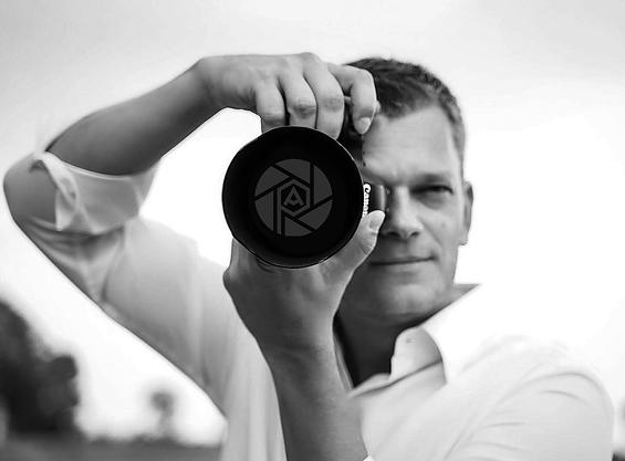 SP mit Kamera+Logo_sw.png