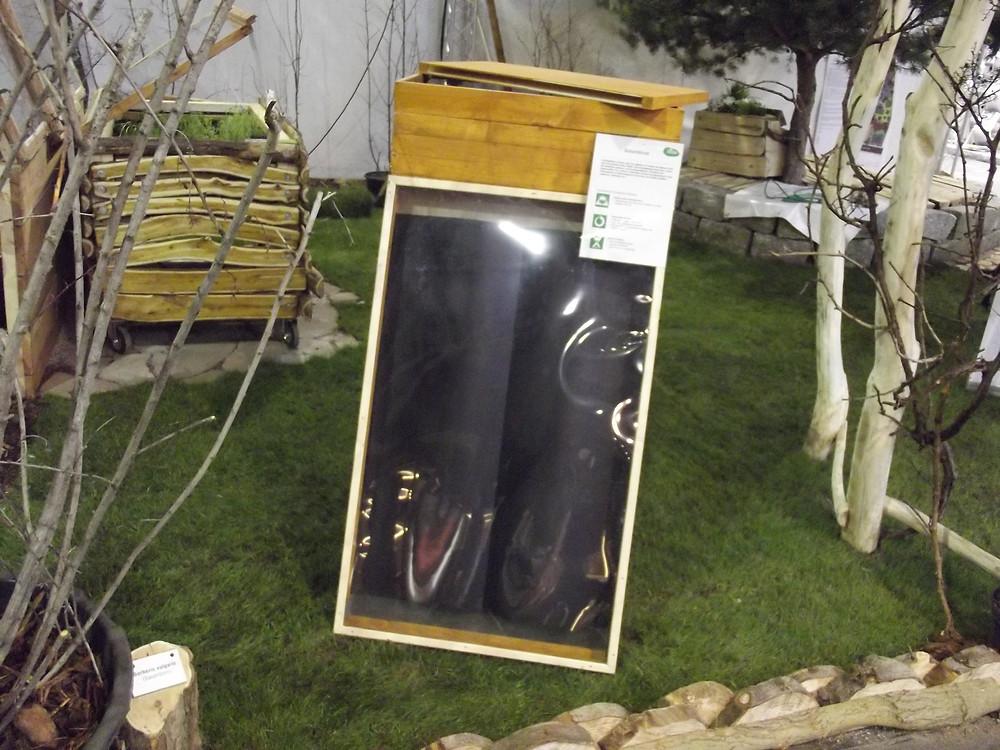 Unser Solardörrer für Trockenobst ist nun fertig, um auf der Messe im Februar das Interesse auf sich zu ziehen! Im Sommer wird er sicher im Garten genutzt.