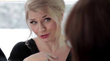 Rigina Espoon kaupunginhallituksen kokouksessa. Someteatteri. 2017