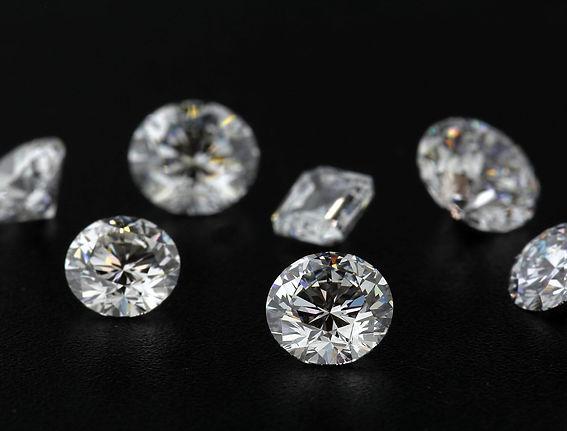 Diamonds fundo negro.jpg