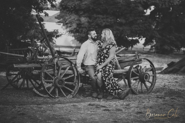 The Engagement Session -16.JPG