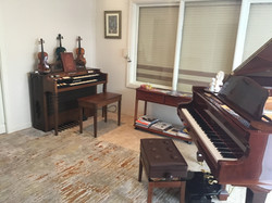 Keyboard and violins galore!