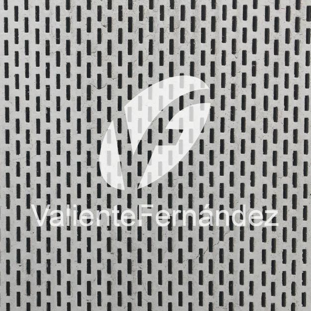Metal Perforado Oblongo 1.2x5/7x7.5-20(22%) Código MPSS4
