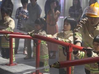 暑期活動:機械博士勇闖童夢城