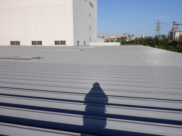肥料会社の屋根塗装5000㎡完了しました。