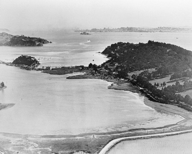 Belvedere Lagoon and beyond 927-2 1920's