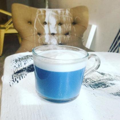 Butterfly Flower Tea Latte (hot)