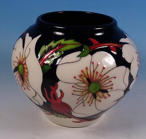 """MOORCROFT MCC Wayside Rambler Rose Flower 4"""" Vase 402/4 Rachel Bishop RRP £395"""