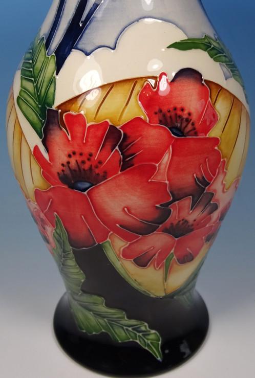 Moorcroft Forever England Poppy Ww1 Remembrance 2267 Vase Rrp 400