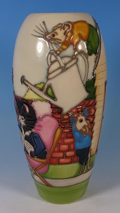 Moorcroft The Mischievous Mice Lakeside Collection 7 Vase 1017 1st