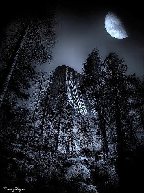 Devilish Moon (Devils Tower)
