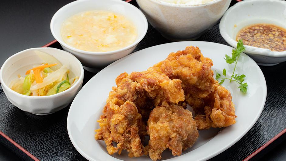 デカ盛り 鶏の唐揚げ定食