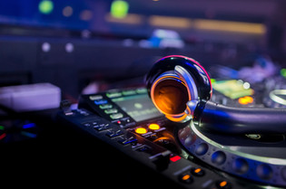 Dj Pub earphone_.jpg