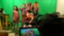 קליפ באולפן ירוק