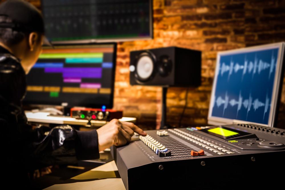 להפיק שיר מקורי באולפן- אולפני אס.פי.אס