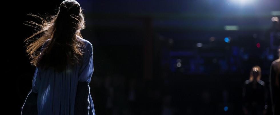 הזמרת אורלי ורדי בהופעה