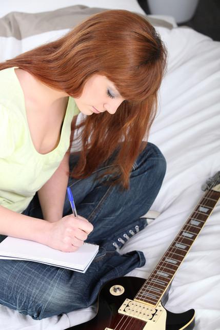 הפקת סקיצות לזמרים, הפקת סקיצות לשירים