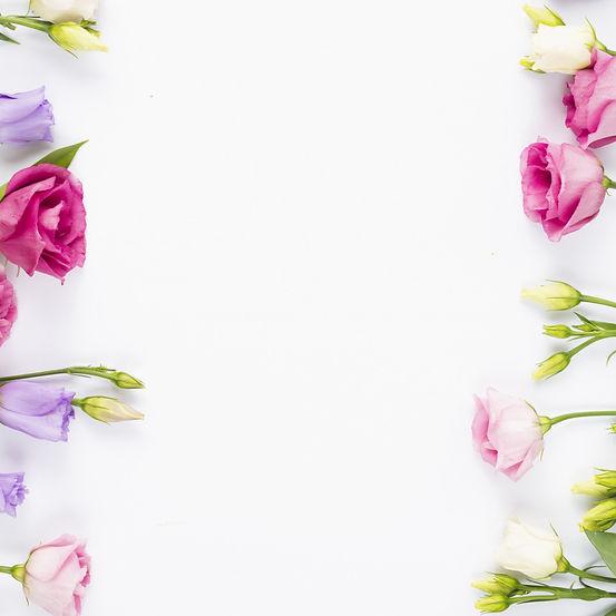 fresh-pink-violet-flowers-eustoma-butony