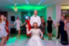 rzut welonem, rzucanie kwiatami na oczepinach, wesele Bon Ton, ślub w Radzyminie